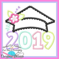 2019 Girl Grad Cap Applique